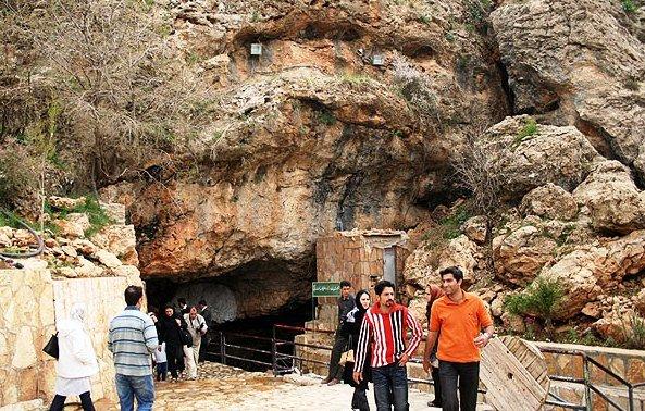 1610219 خطر در کمین بزرگترین غار آبی آسیا/تصاویر