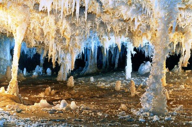 1610222 خطر در کمین بزرگترین غار آبی آسیا/تصاویر