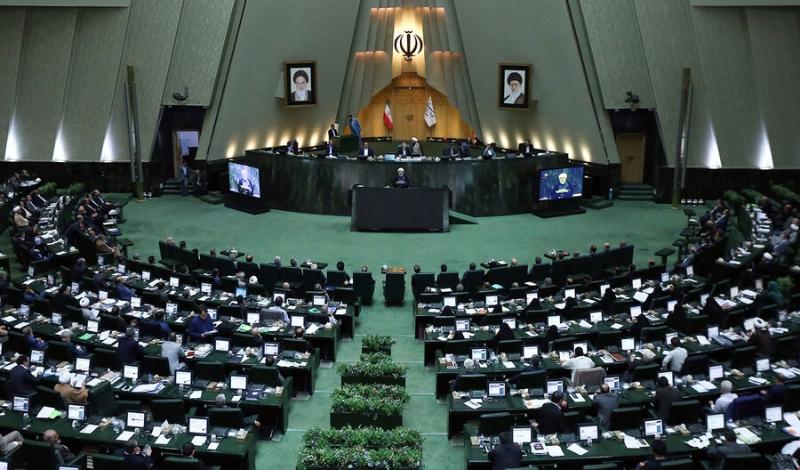 ماجرای اعتراض نمایندگان به حضور وزیر پیشنهادی صمت در مجلس/ رئیس جمهور در جلسه رای اعتماد حضور داشته باشد