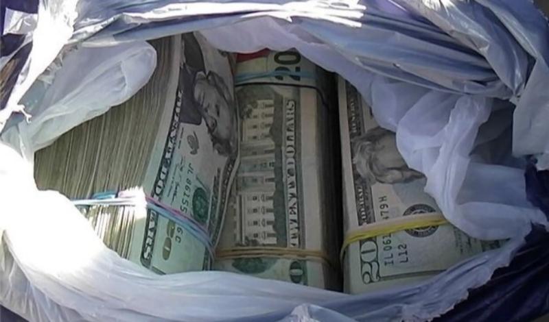 کشف شبکه بزرگ قاچاق ارز توسط سربازان گمنام امام زمان (ع) در کرمانشاه/ ۲ نفر دستگیر شدند